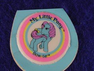 Stickers vendu avec les petits poneys  Bowtie11