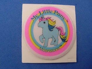 Stickers vendu avec les petits poneys  Moonst10