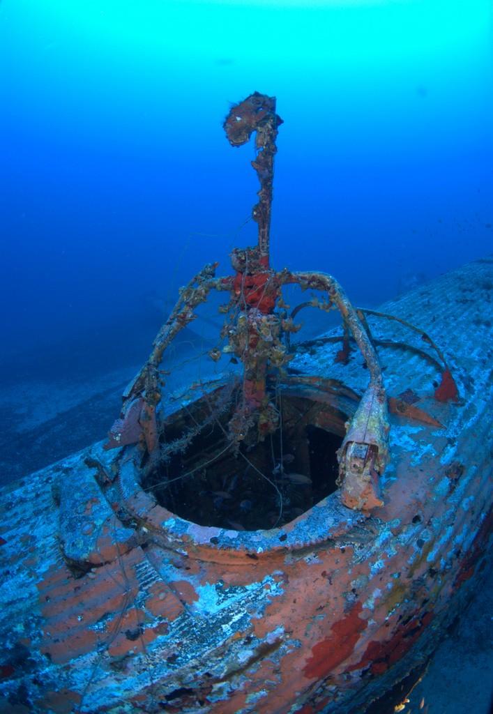 Un JUNKERS52 repose sur un banc de sable pendant 65 ans, à 67 mètres de profondeur 3ju10