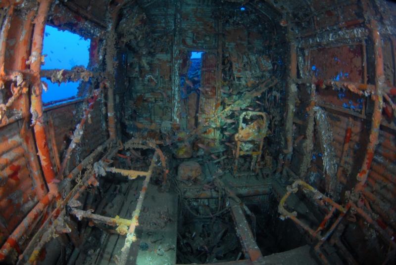 Un JUNKERS52 repose sur un banc de sable pendant 65 ans, à 67 mètres de profondeur 6ju10