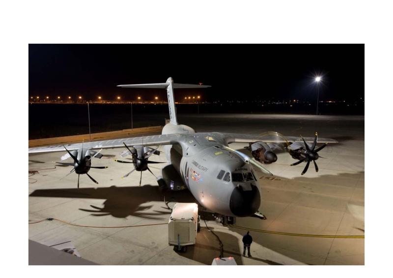 A400M de nuit,  il est magnifique..! A400m_11