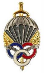 Le brevet prémilitaire parachutiste que 441.000 jeunes françaises et françaises ont mérité. Brevet10