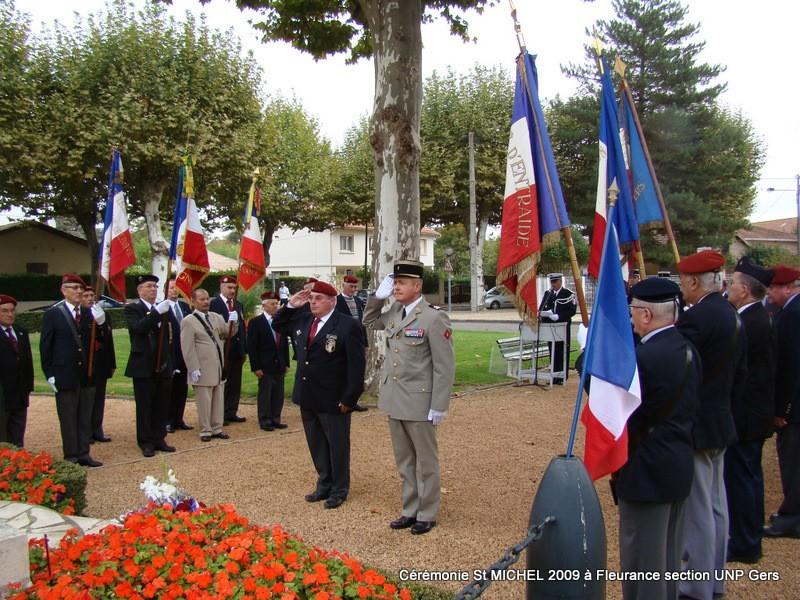La section du Gers de l'UNP (Union nationale des parachutistes) fêtera la Saint-Michel, patron des parachutistes, à Fleurance, samedi 26 septembre 2009 Dsc00811