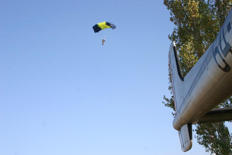 Saut en parachute sur le quartier Beaumont Img_4014