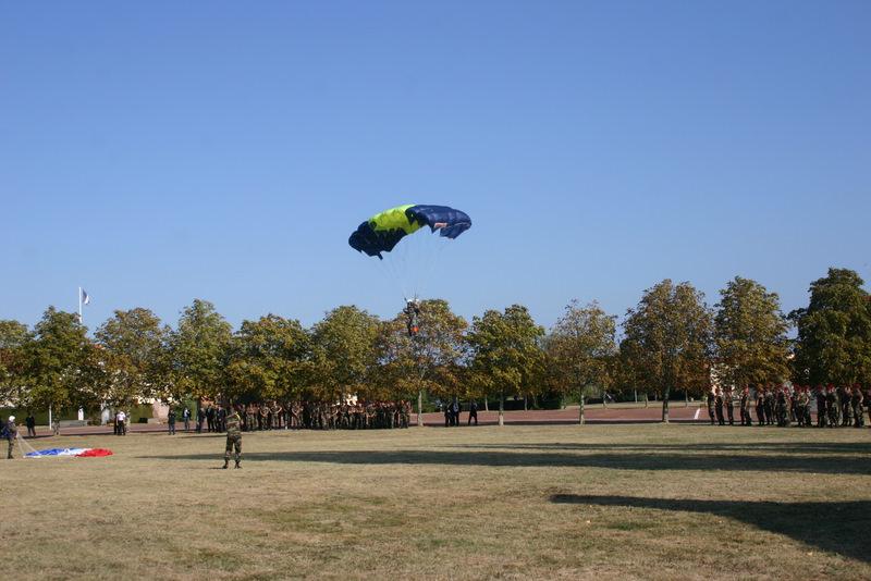 Saut en parachute sur le quartier Beaumont Img_4015