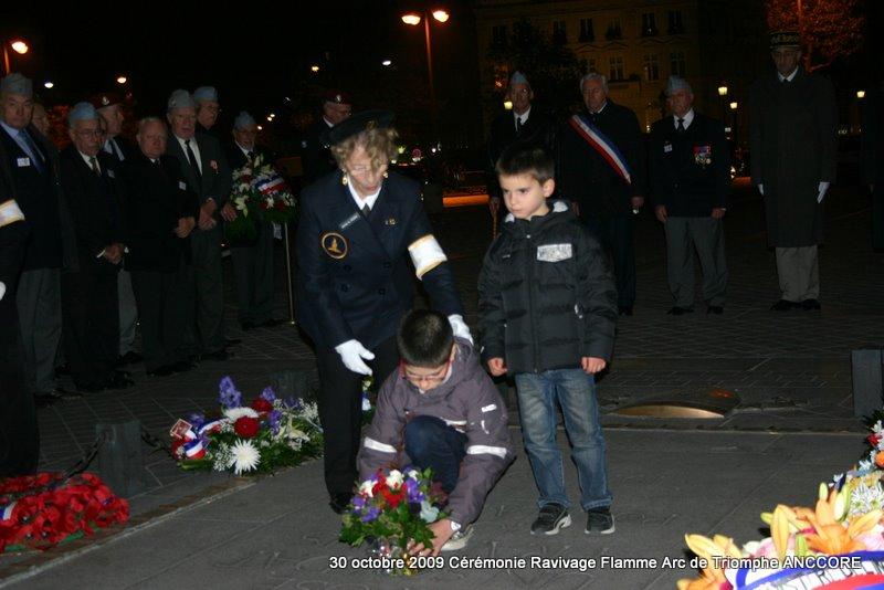 Cérémonie ravivage de la flamme à l'Arc de Triomphe Img_5014