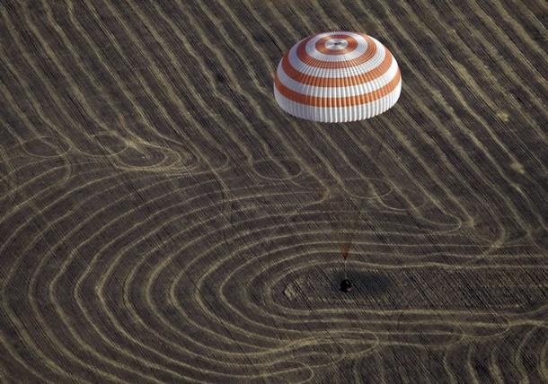 [ SOYOUZ TMA14 ] Retour sur terre 11/10/2009 - Page 3 610x10