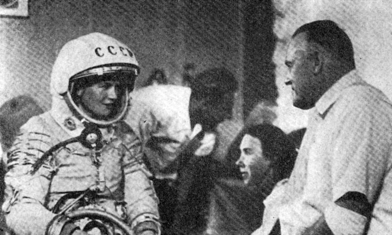 Bon anniversaire Valentina ! Vostok11