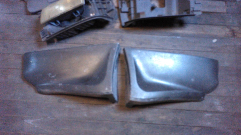 Vends rajoutes latérales de pare-choc arrière Grand S2 Img_2029