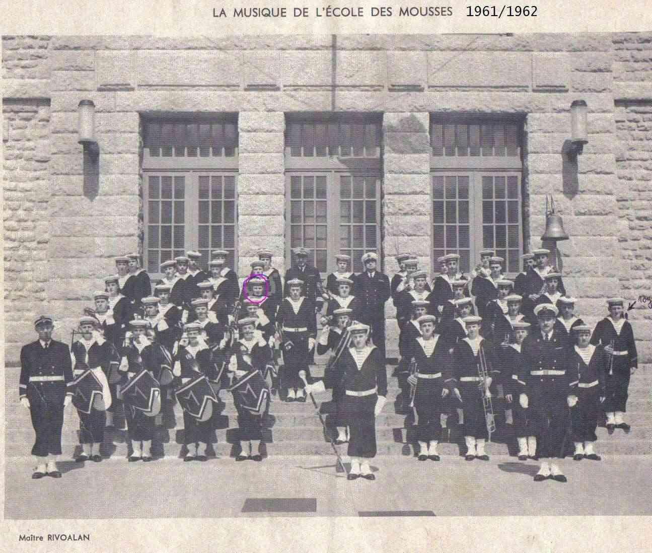 [La musique dans la Marine] Les fanfares des écoles... - Page 2 Lastsc87