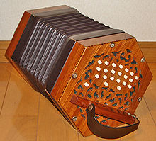 Le Concertina 220px-14