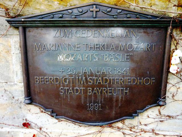 La Bäsle (Maria Anna Thekla Mozart) 1758-1841 799px-10