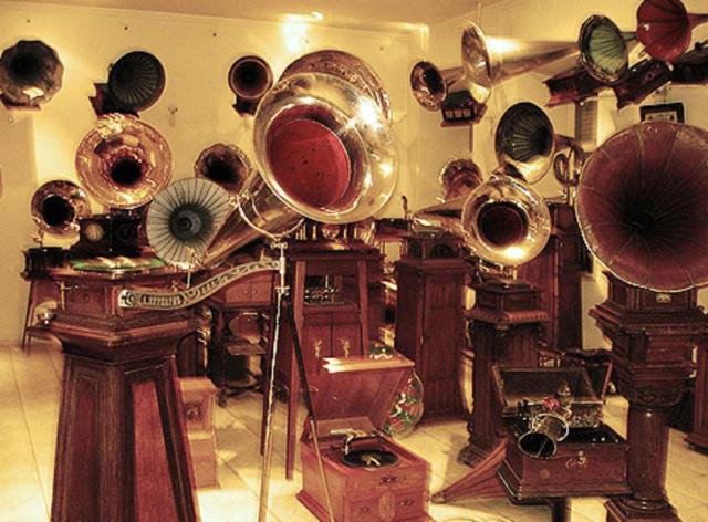 Musée des gramophones (Saint Petersbourg) Imgb10
