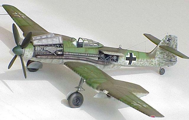 "Blohm & Voss BV 155B (V-1) ""Karawanken"" (1:72,  Special Hobby SH 72072) - Page 2 Bv155a10"