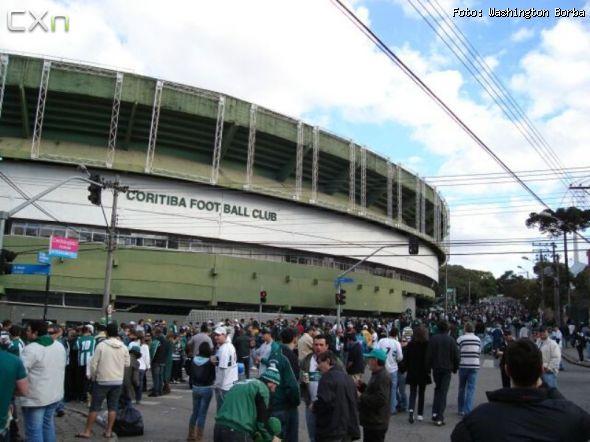 Stades vus de l'extérieur - Page 10 590-4111