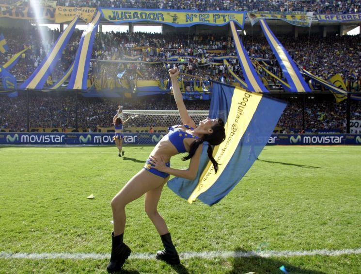 Supportrices... - Page 30 Boca2010