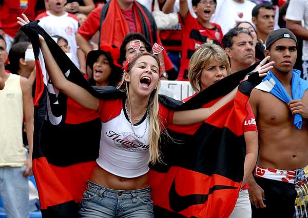 Supportrices... - Page 30 Fla-to10