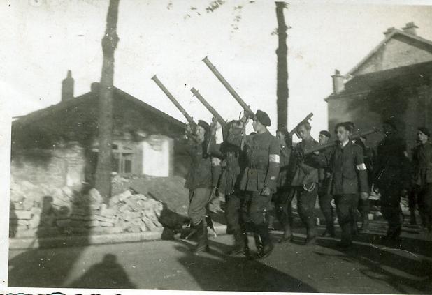 Défilé aux bazookas Photo_11