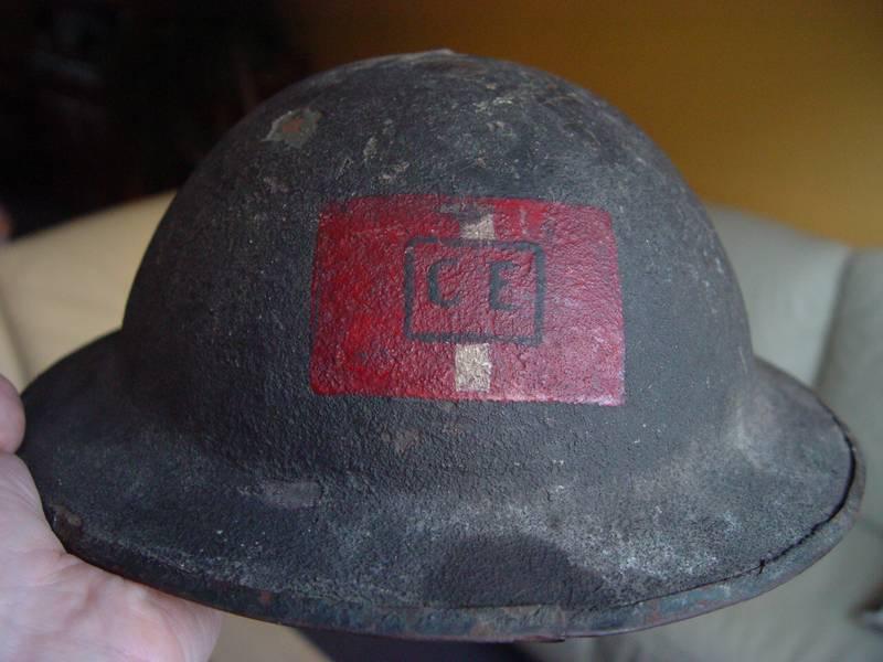 Présentation du casque Canadien de 1914 a nos jours.  Dsc04510