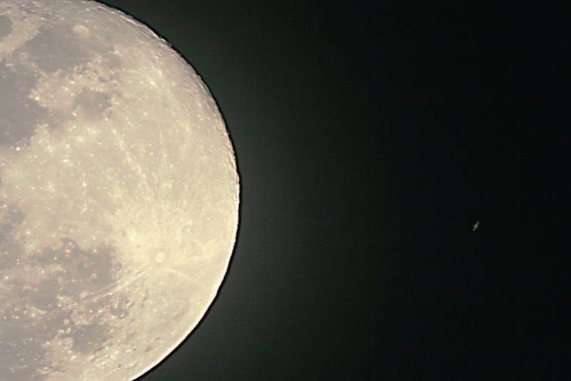 Le planétaire - Page 1 Lune_s10