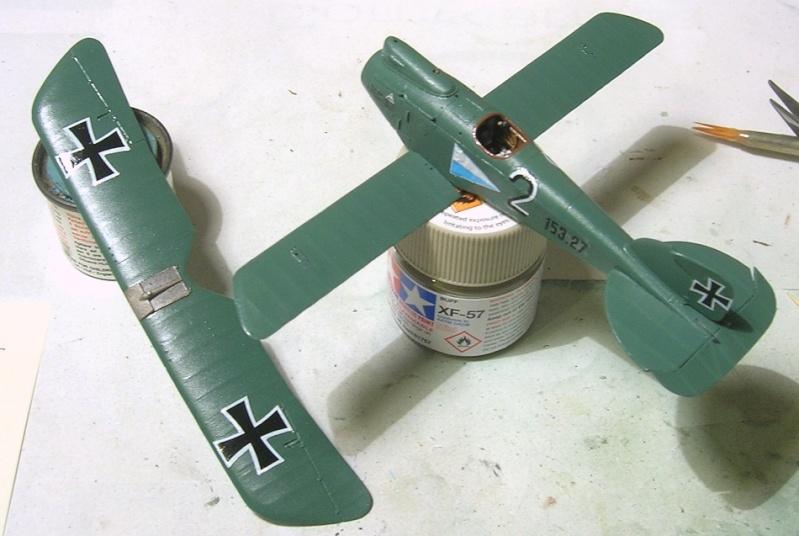 Montage: Albatros D-III Oeffag début de série 153 / Roden 1/72 Montag24