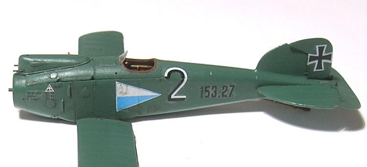 Montage: Albatros D-III Oeffag début de série 153 / Roden 1/72 Montag25