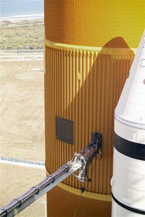 [STS-119] Discovery : suivi du lancement (15/03/2009) - Page 3 Temp210