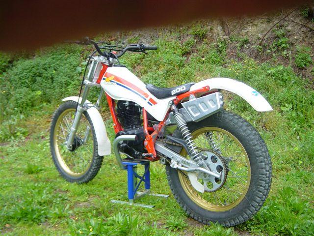 vends Honda tlr 200 Honda_13