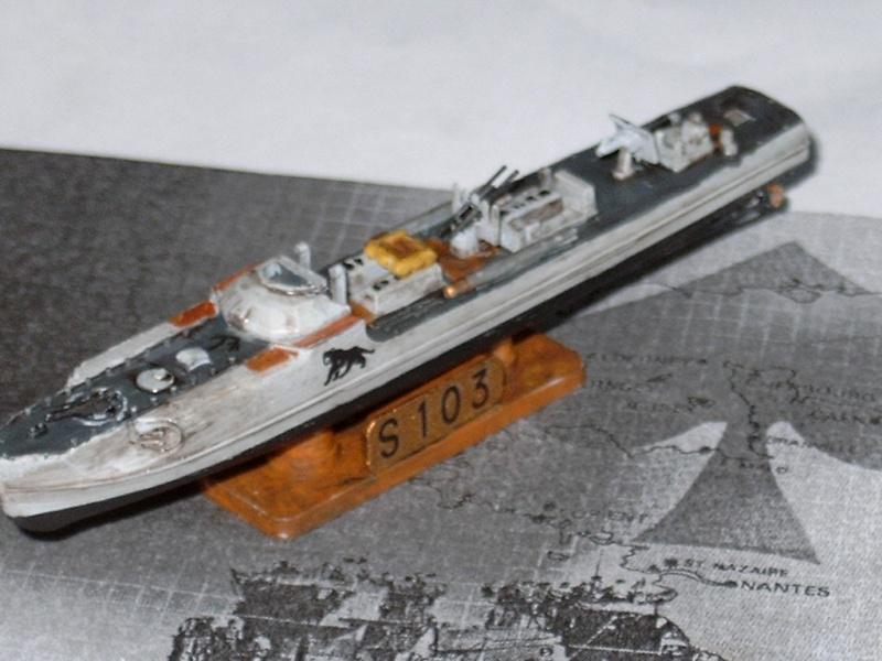 Schnellboate par fourneau au 400eme - heller 48h_sb28