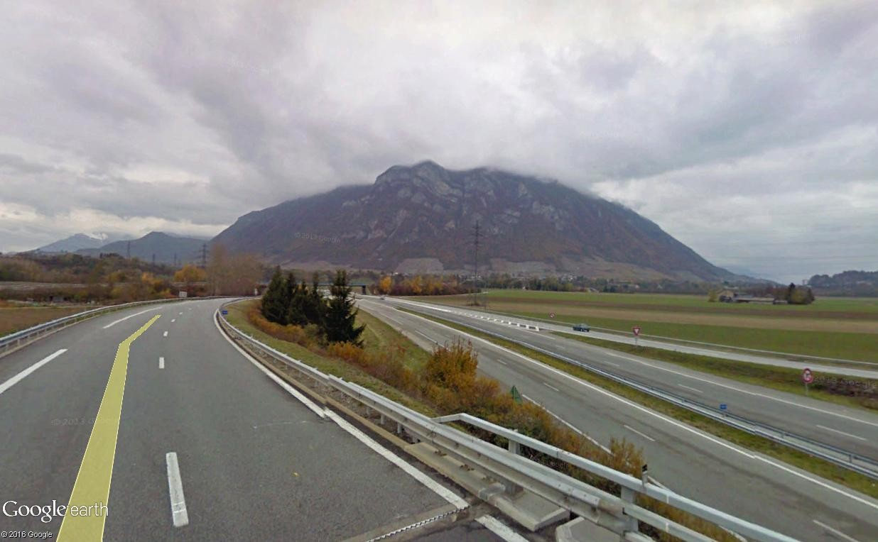 STREET VIEW : 2 sens de circulation = 2 saisons différentes vues de la Google Car ! [A la chasse !] - Page 4 Bauges10