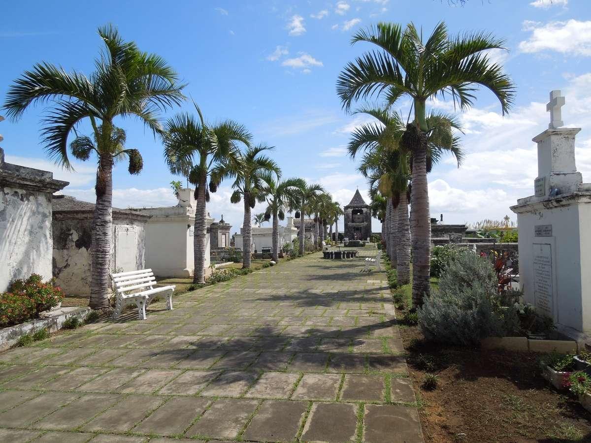 Le cimetière marin de Saint-Paul, la Réunion Dscn7412