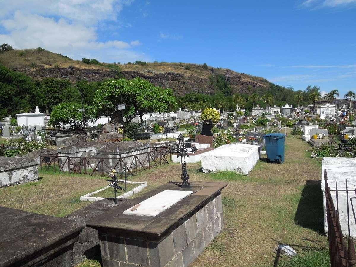Le cimetière marin de Saint-Paul, la Réunion Dscn7413