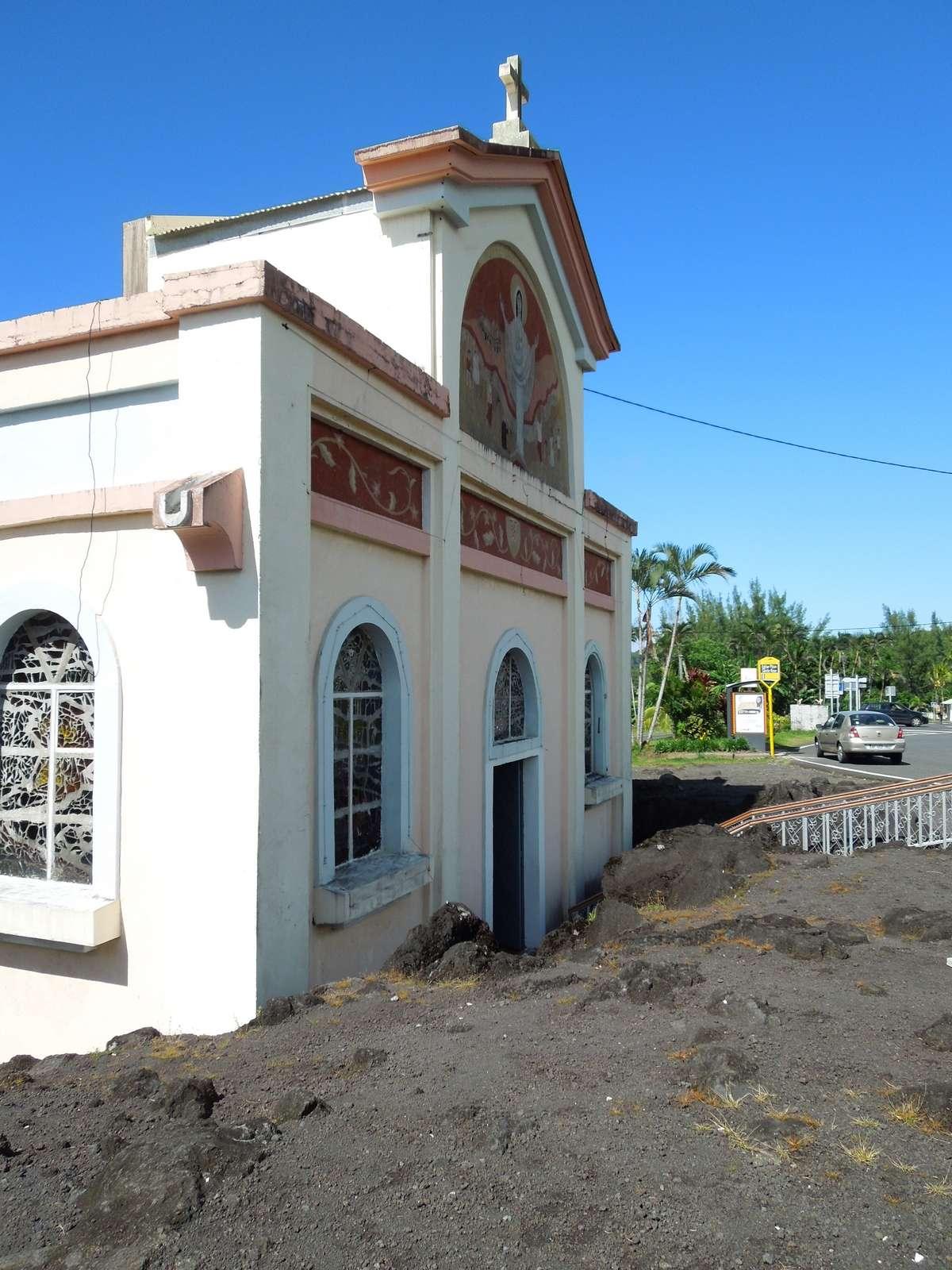 Notre-Dame-des-Laves, l'église la plus célèbre de la Réunion Dscn7810