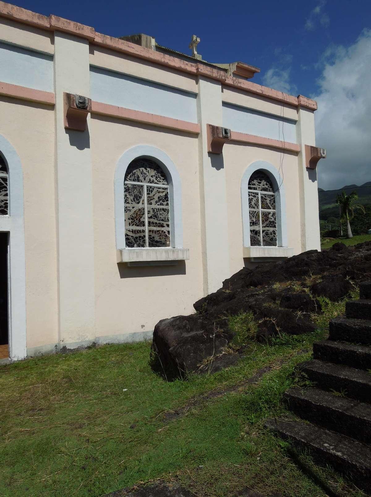 Notre-Dame-des-Laves, l'église la plus célèbre de la Réunion Dscn7812