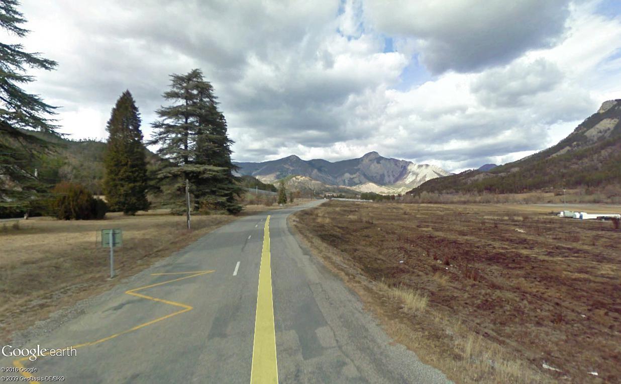 STREET VIEW : 2 sens de circulation = 2 saisons différentes vues de la Google Car ! [A la chasse !] - Page 2 La_mot11