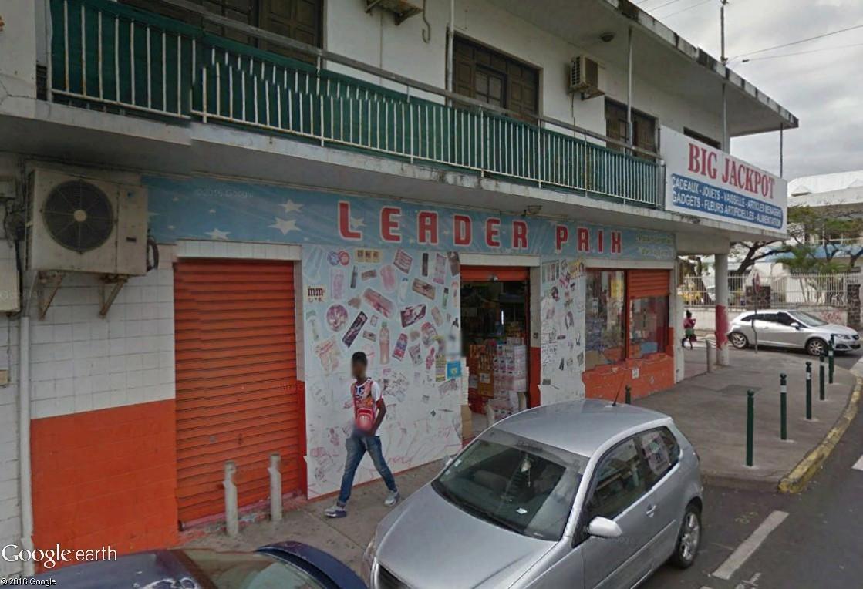 STREET VIEW : les façades de magasins (France) - Page 11 Leader10