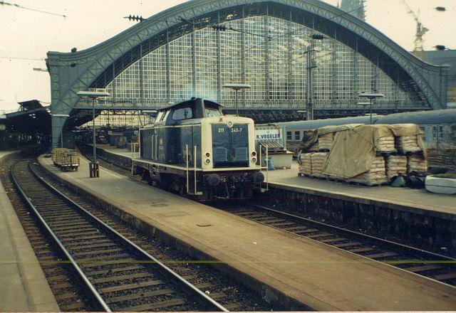 Die Baureihe V100 der DB - 211-213 211_2410