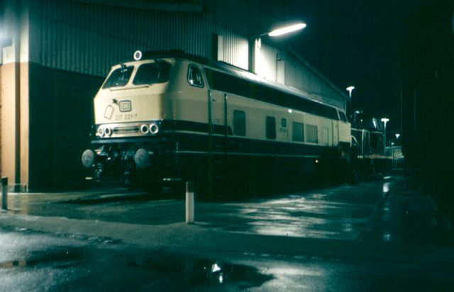 Die V160-Familie, Baureihe 210-219 der DB 217_0010