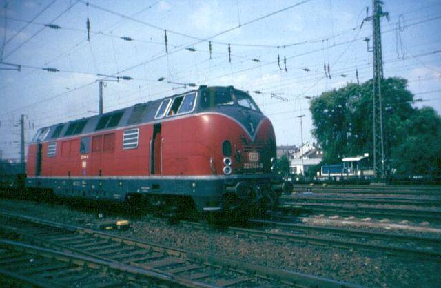 Baureihe 221 / V200.1 der DB 221_1410