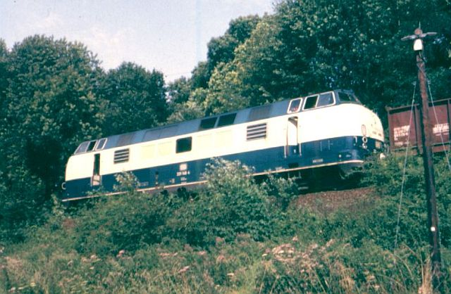 Baureihe 221 / V200.1 der DB 221_bl10