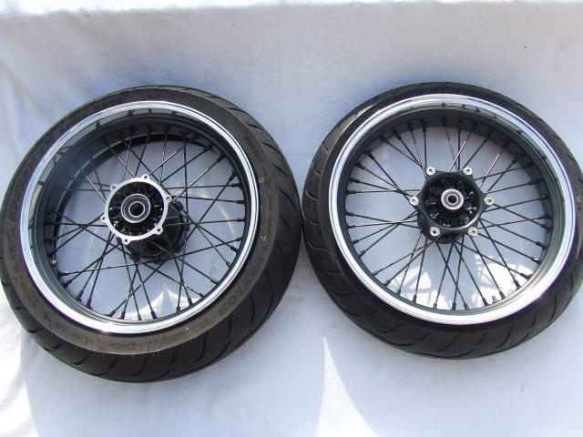 Photos roues à rayons noires Dscf4710