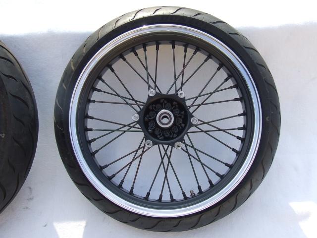 Photos roues à rayons noires Dscf4711