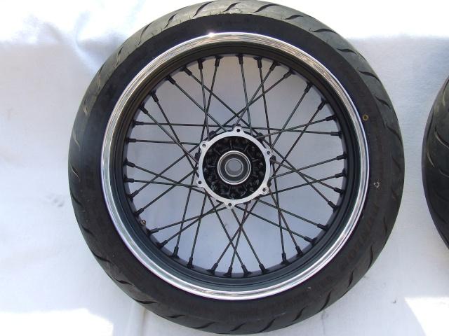 Photos roues à rayons noires Dscf4713
