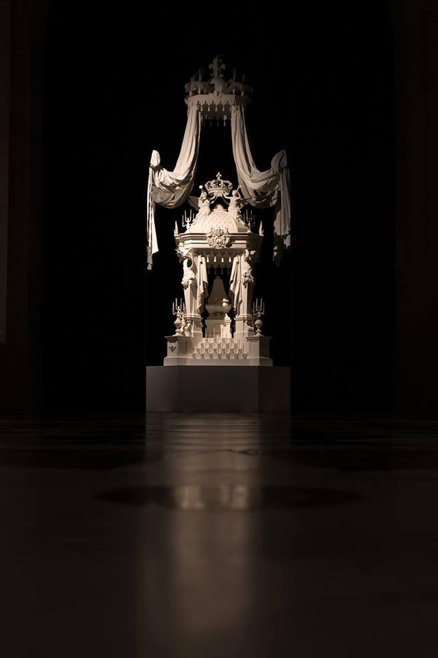 Exposition : Le roi est mort ! 26/10 2015 - 21/02 2016 - Page 4 11219610