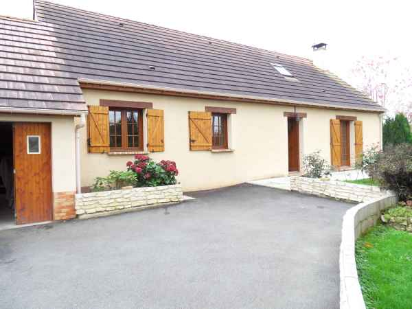 House and railway for sale New_ho10