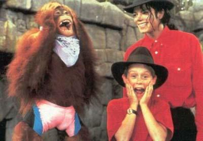 Collection MJ-Story : Michael et les animaux ^^ - Page 6 Danger10
