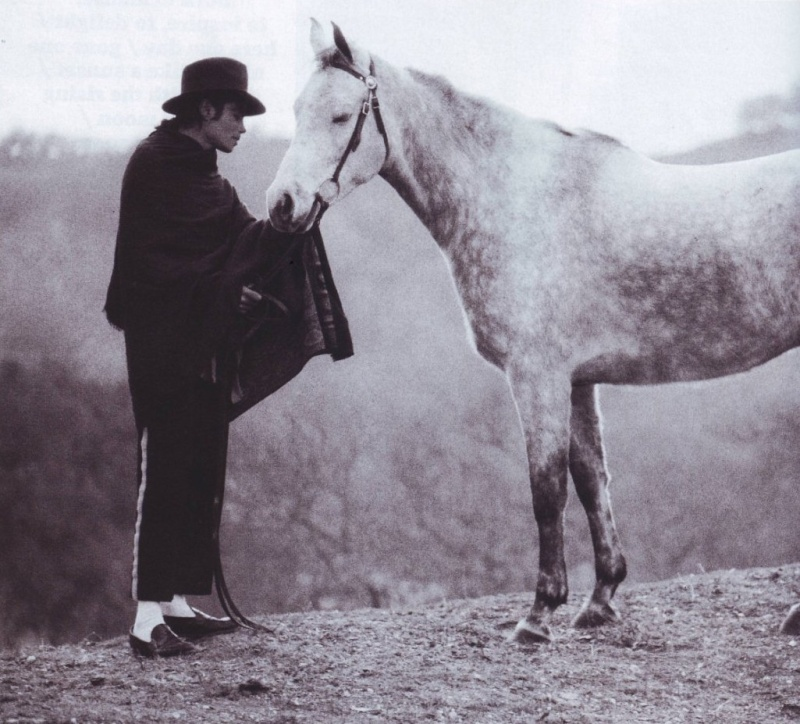Collection MJ-Story : Michael et les animaux ^^ - Page 6 Mj000510