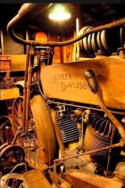 Les vieilles Harley....(ante 84) par Forum Passion-Harley - Page 22 Captu201