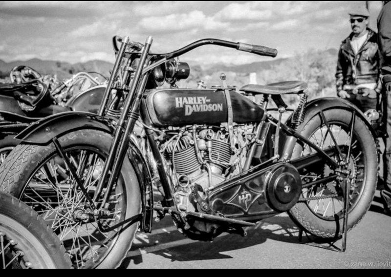 Les vieilles Harley....(ante 84) par Forum Passion-Harley - Page 22 Captu214
