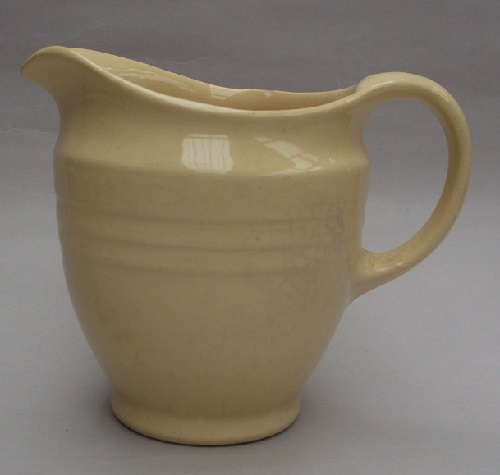 719 small Jug from the 1940's 719_ju13